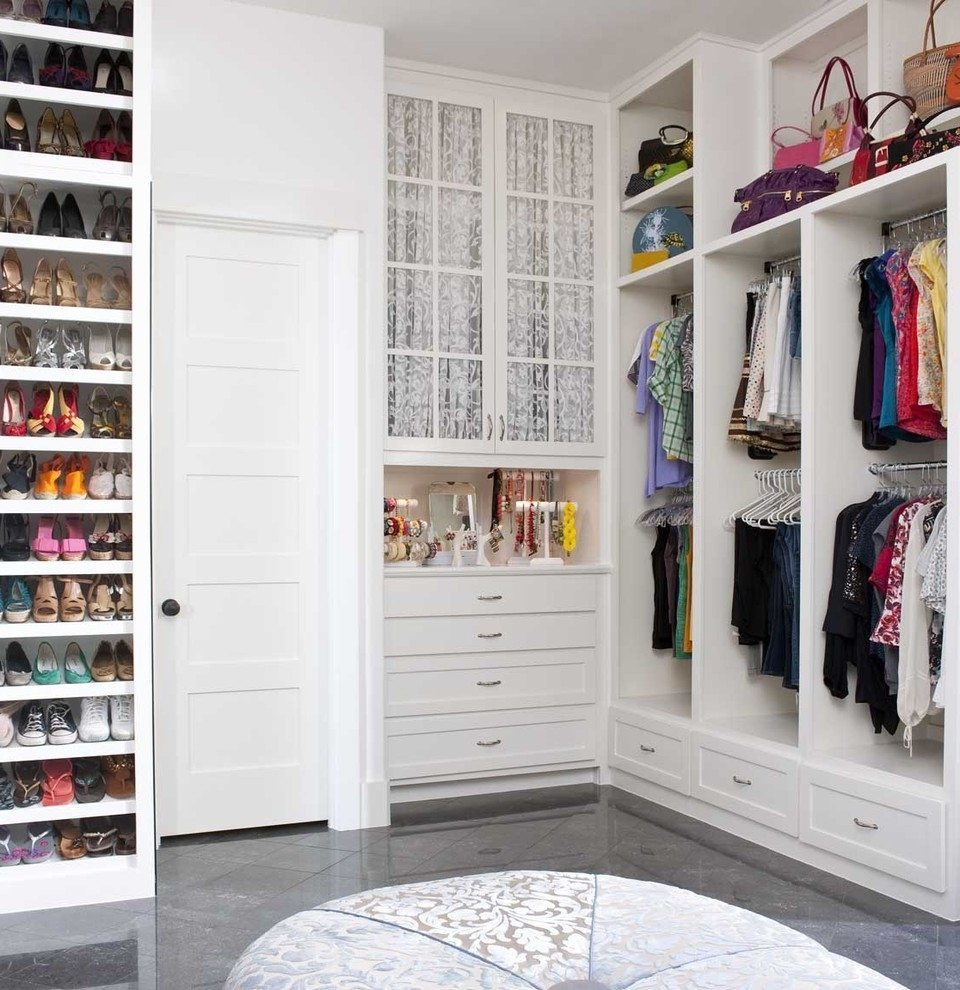 how-to-organize-your-clothes-wardrobe-storage-shelves-handbags-shoes-folded-transparent-boxes-offseason-white-highceilings.jpg