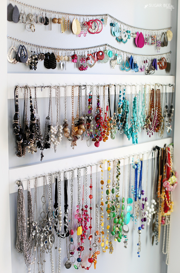 wall-display-how-to-organize-jewelry-closet-wardrobe-earrings-rings-necklaces-storage-hang-up.jpg
