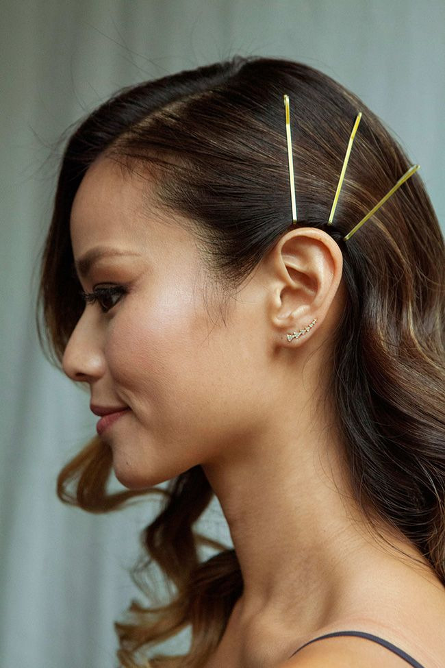 how-to-style-hair-accessories-bobby-pin-hairstyles-ways-to-wear-jamiechung-side.jpg