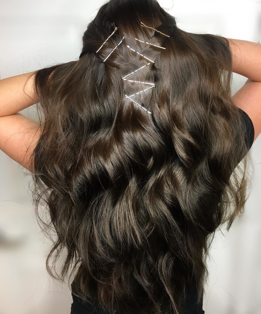 how-to-style-hair-accessories-bobby-pin-hairstyles-ways-to-wear-bobbypinhairart-instagram-hollydecastri.jpg