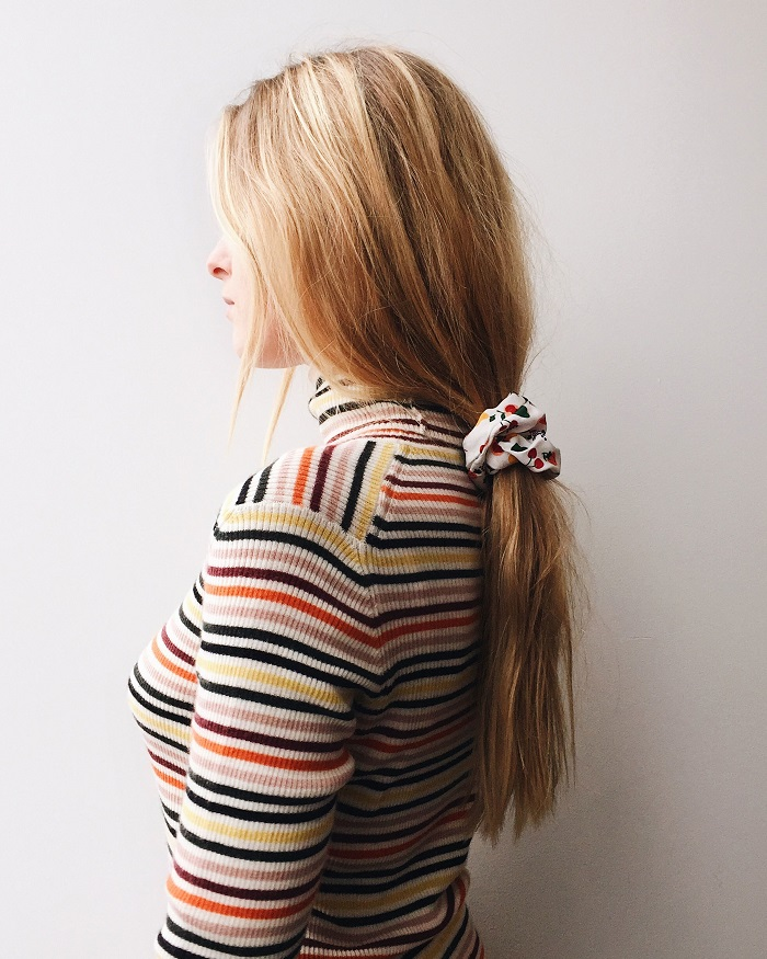 how-to-style-hair-accessories-scrunchies-hairstyles-ways-to-wear-blonde-ponytail-stripes.JPG