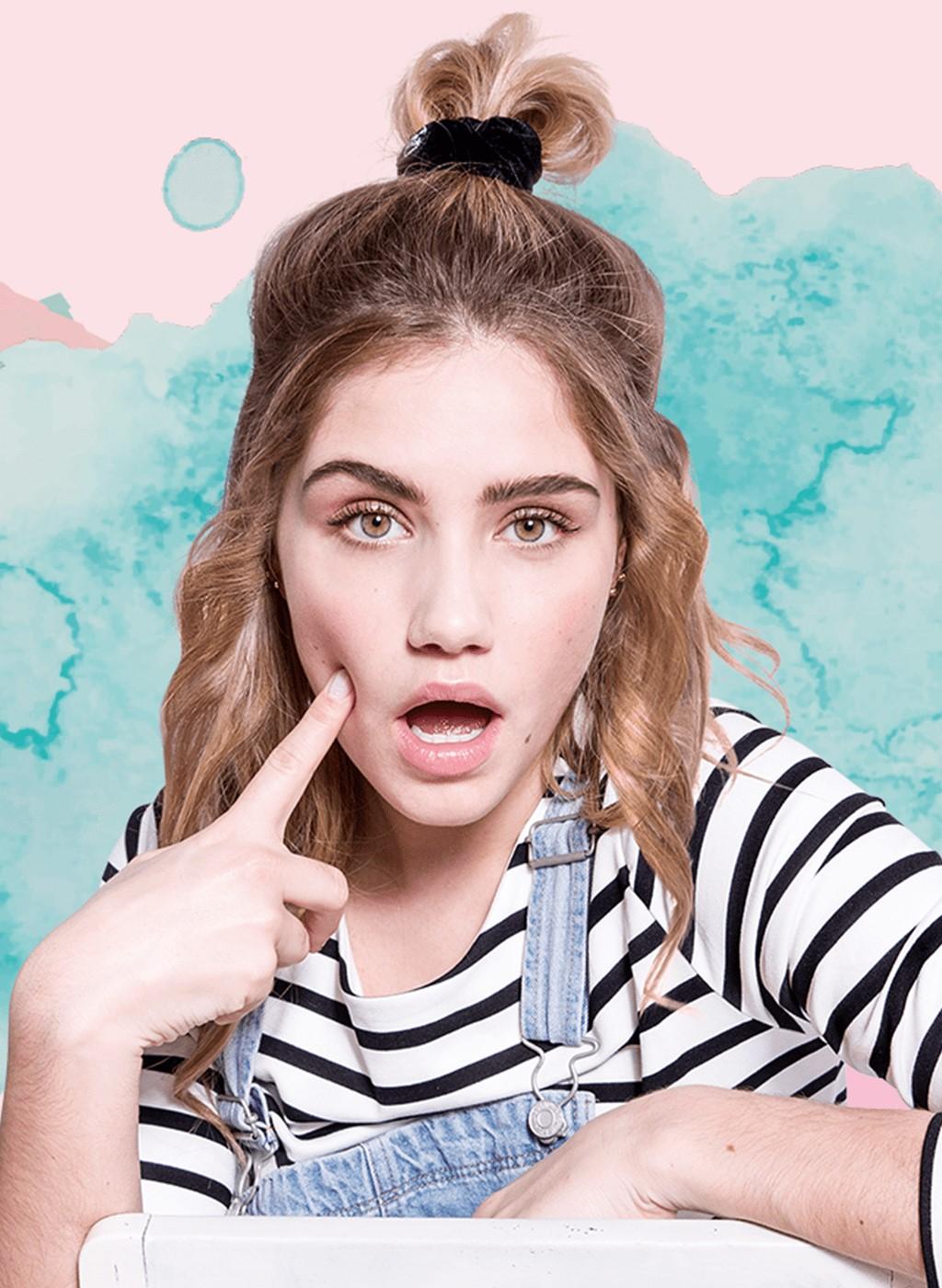 how-to-style-hair-accessories-scrunchies-hairstyles-ways-to-wear-ponytail-stripe-black-halfup.jpg