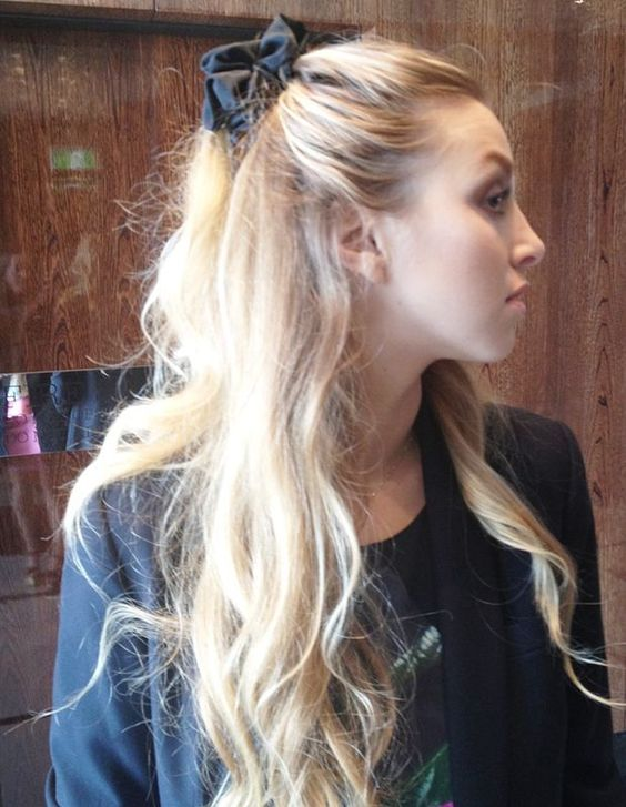how-to-style-hair-accessories-scrunchies-hairstyles-ways-to-wear-ponytail-whitneyport-black.jpg
