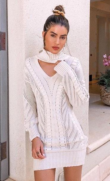 how-to-style-hair-accessories-scrunchies-hairstyles-ways-to-wear-ponytail-bun-velvet-sweater-dress.jpg