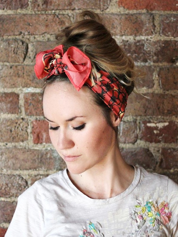 how-to-style-hair-accessories-scarf-scarves-bandana-silk-bow-messy-bun-summer-casual.jpg