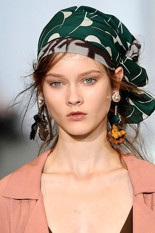 how-to-style-hair-accessories-scarf-scarves-bandana-silk-tied-headband-green-print-wrap-earrings-runway.jpg
