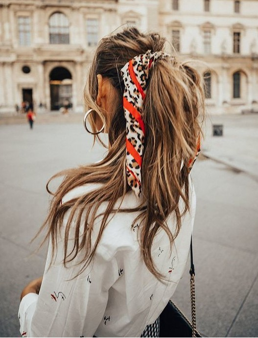 how-to-style-hair-accessories-scarf-scarves-bandana-silk-print-pony-streetstyle.jpg