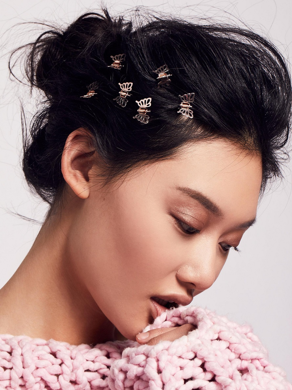 how-to-style-hair-accessories-claw-clips-butterfly-banana-mini-messy-bun-multiple.jpeg