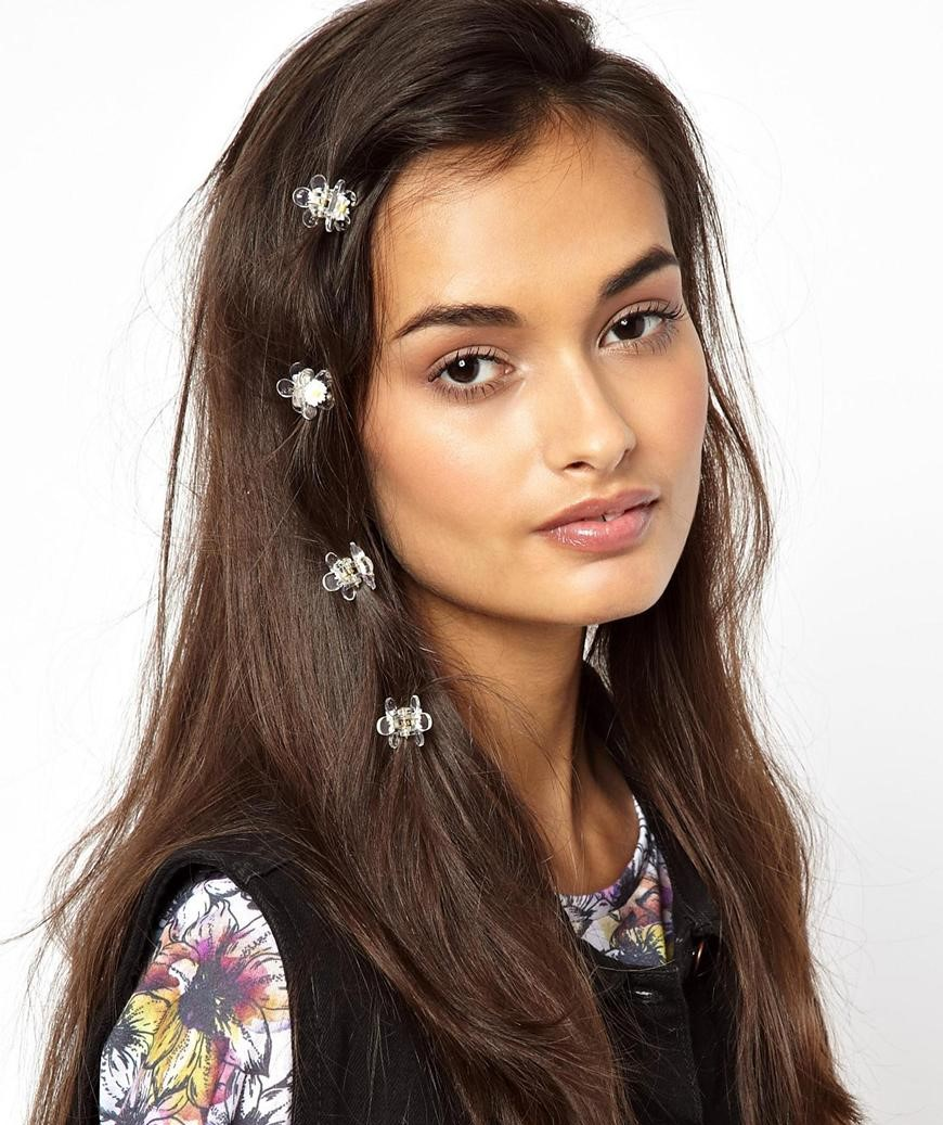 how-to-style-hair-accessories-claw-clips-butterfly-banana-mini-side-.jpeg