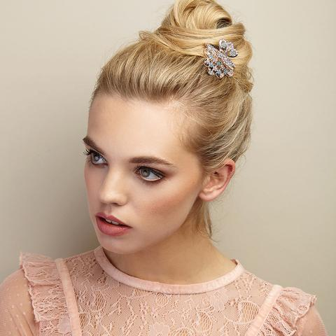 how-to-style-hair-accessories-claw-clips-butterfly-banana-mini-bun-blonde.jpg