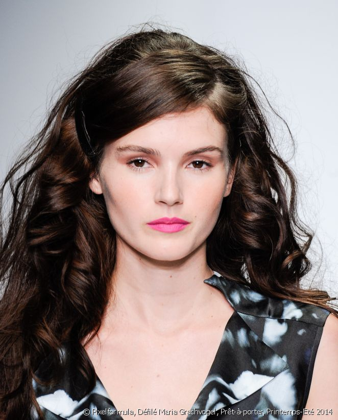 one-side-how-to-style-hair-accessories-clip-barrettes-brunette-long-hair.jpg