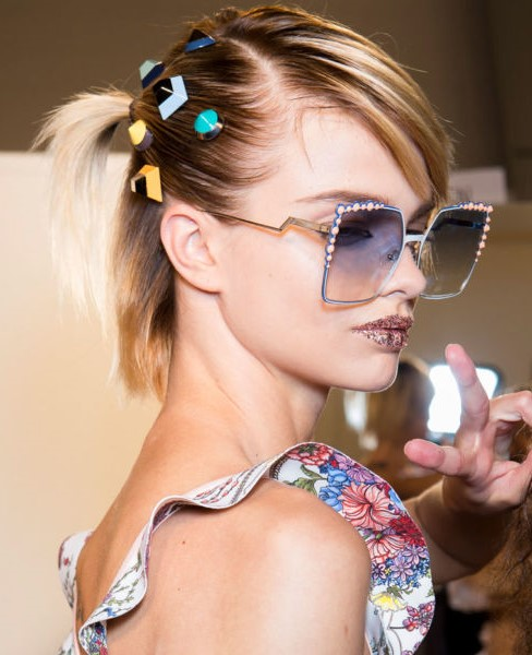 one-side-how-to-style-hair-accessories-clip-barrettes-fendi-jewels-bob.jpg