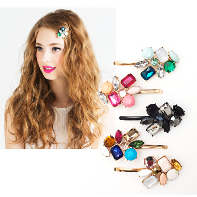 one-side-how-to-style-hair-accessories-clip-barrettes-party-season-jewel-bobbypins-color-wavy-long.jpg