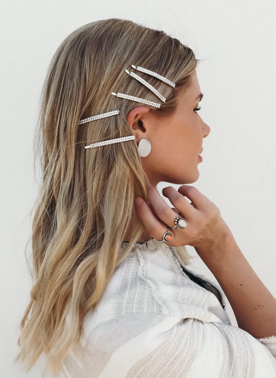 one-side-how-to-style-hair-accessories-clip-barrettes-sidepart-white-multiple.jpg