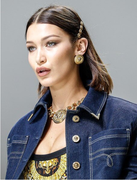 both-side-how-to-style-hair-accessories-clip-barrettes-lob-bellahadid-runway.jpg