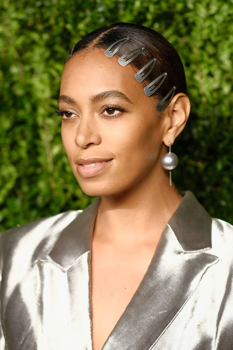 both-sides-how-to-style-hair-accessories-clip-barrettes-snap-solange.jpg