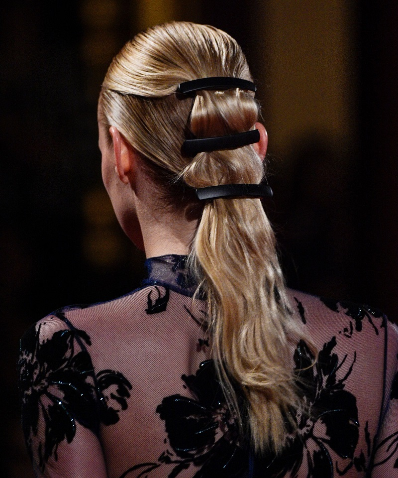 ponytails-how-to-style-hair-accessories-clip-barrettes-multiple-triple-black-runway.jpg