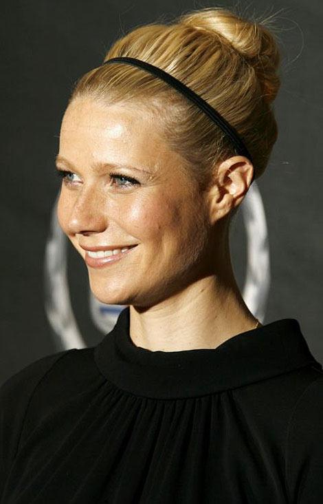 skinny-how-to-style-hair-accessories-headbands-hairstyles-ways-to-wear-gwyneth-paltrow-bun-black.jpg