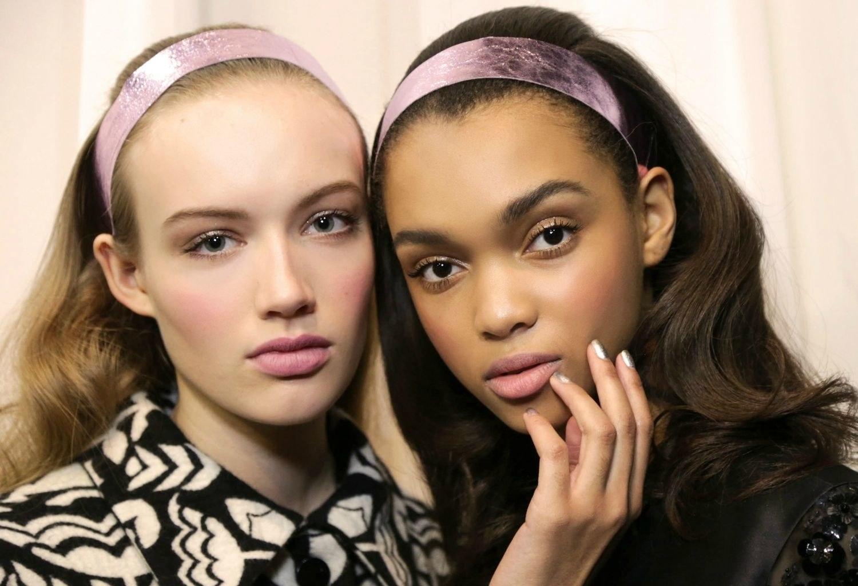 medium-how-to-style-hair-accessories-headbands-hairstyles-ways-to-wear-fall-metallic-runway.jpg