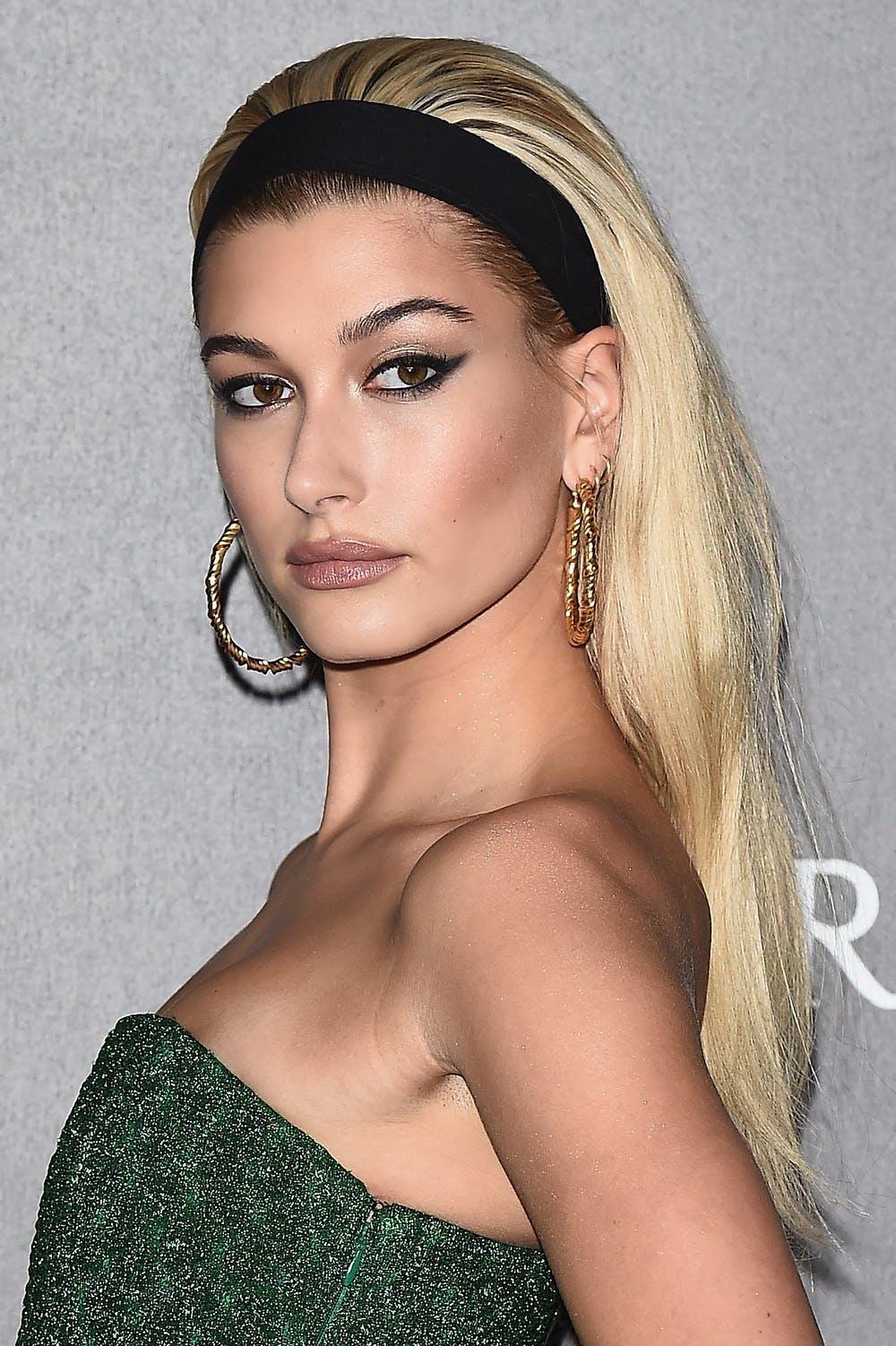 medium-how-to-style-hair-accessories-headbands-hairstyles-ways-to-wear-haileybaldwin-black-blonde-hoopearrings-retro.jpg
