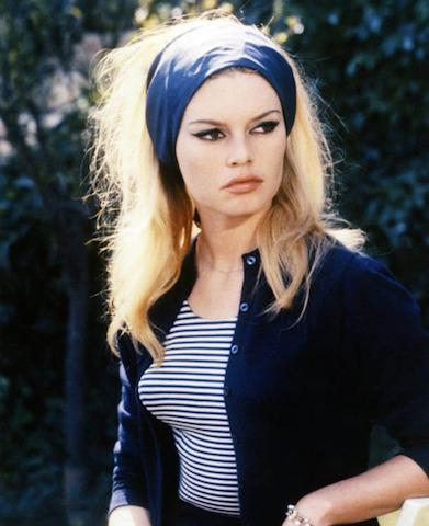 wide-how-to-style-hair-accessories-headbands-hairstyles-ways-to-wear-brigettebardot-blue-blonde-long-wrap.jpg