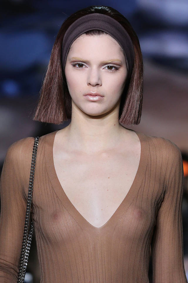 wide-how-to-style-hair-accessories-headbands-hairstyles-ways-to-wear-marc-jacobs-fw2014.jpg