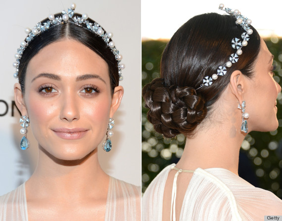 crowns-how-to-style-hair-accessories-headbands-hairstyles-ways-to-wear-jeweled-ornate-dressy-updo-redcarpet.jpg