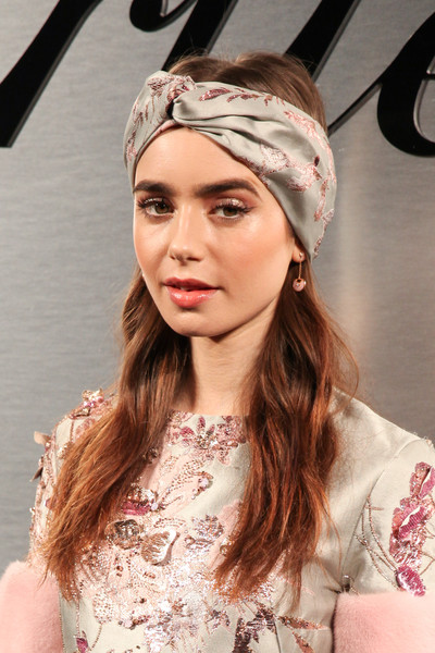 turban-how-to-style-hair-accessories-headbands-hairstyles-ways-to-wear-lilycollins-printed-long.jpg
