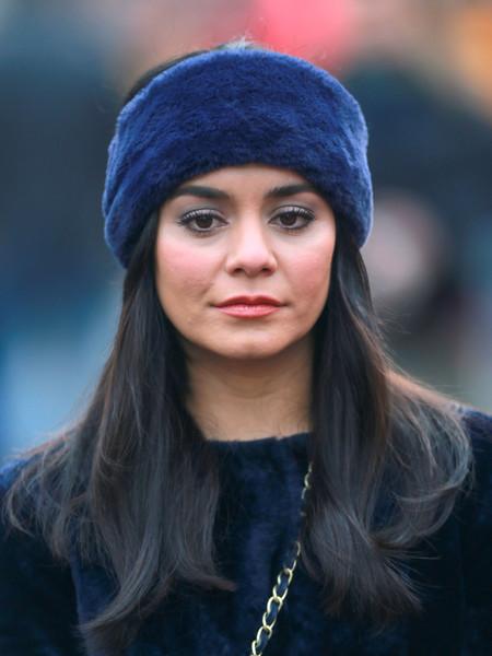 fur-how-to-style-hair-accessories-headbands-hairstyles-ways-to-wear-vanessahudgens-winter-earwarmers-fashion-blue.jpg