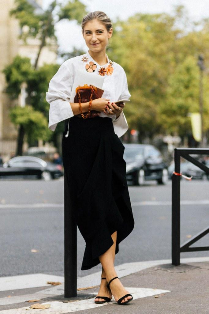 black-midi-skirt-white-top-blonde-bun-black-shoe-sandalh-fall-winter-thanksgiving-outfits-holidays-dinner.jpg