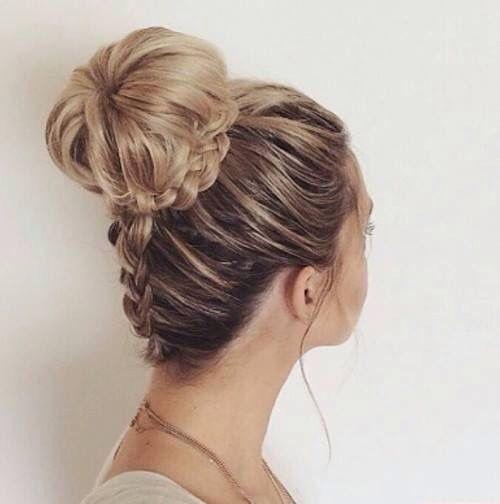 hairstyle-for-thanksgiving-fall-autumn-big-bun-braid-updo-blonde.jpg