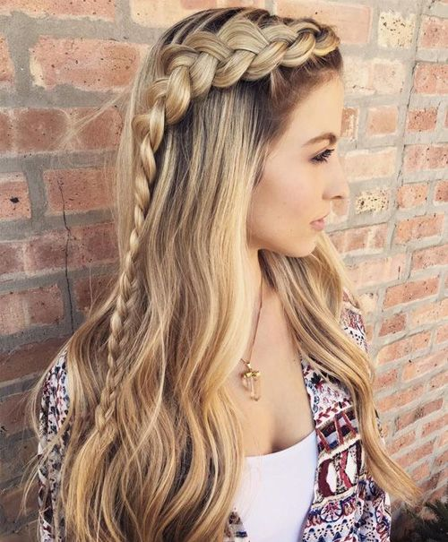 hairstyle-for-thanksgiving-fall-autumn-braid-side-long-blonde.jpg