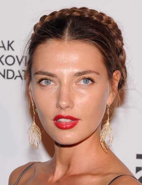 hairstyle-for-thanksgiving-fall-autumn-crown-braid-updo-earrings-gold-red-lips.jpg