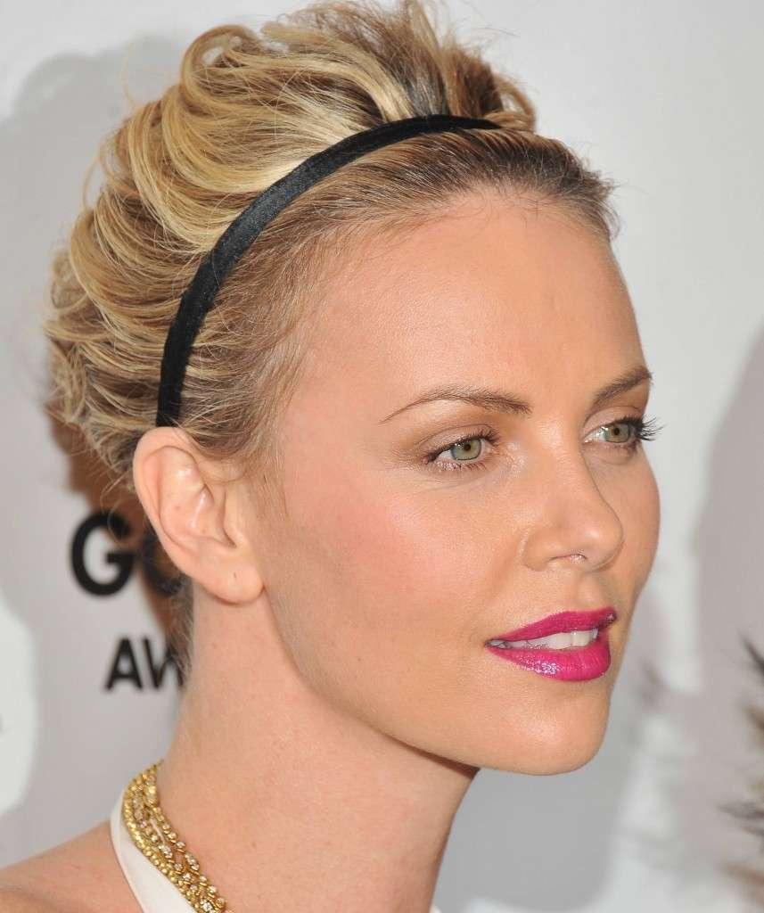 hairstyle-for-thanksgiving-fall-autumn-pink-lips-magenta-fuschia-black-headband-updo.jpg