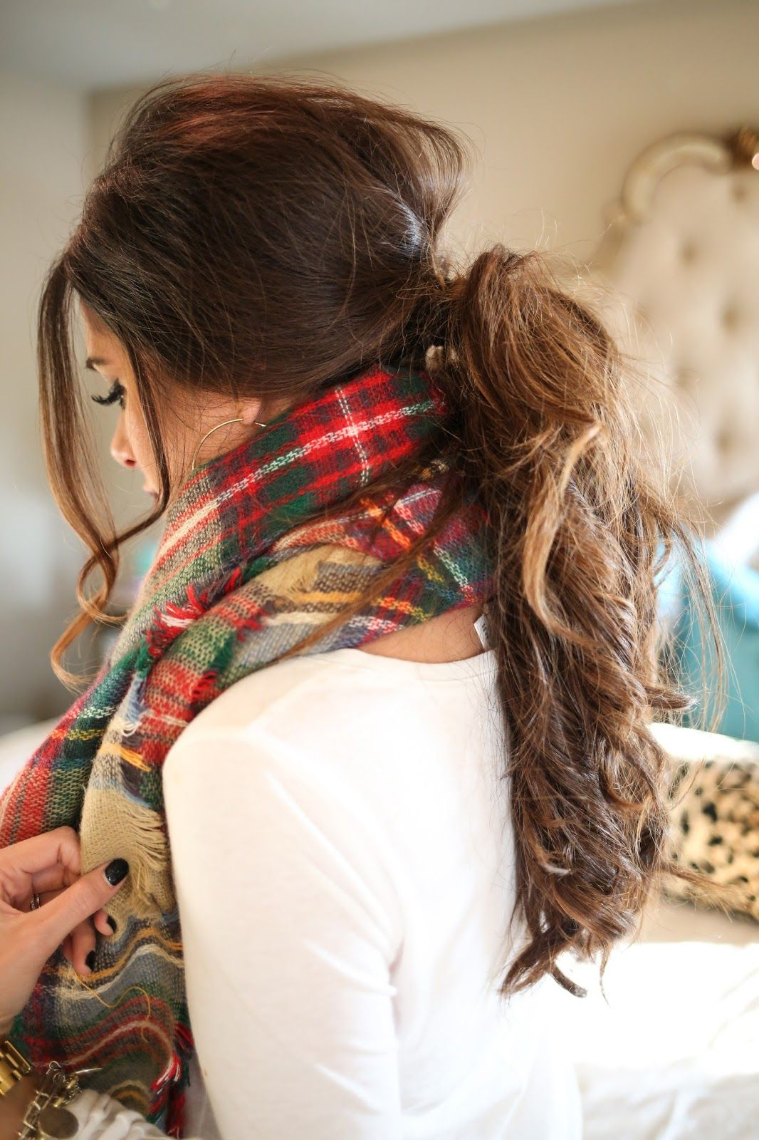 hairstyle-for-thanksgiving-fall-autumn-ponytail-messy-low-brunette.jpg
