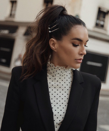 how-to-style-hair-accessories-bobby-pin-hairstyles-ways-to-wear-pearl-embellishments-high-ponytail.jpg