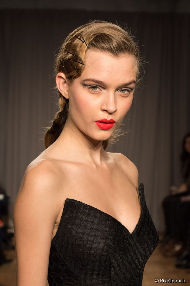 how-to-style-hair-accessories-bobby-pin-hairstyles-ways-to-wear-black-visible-dressy-elegant.jpg
