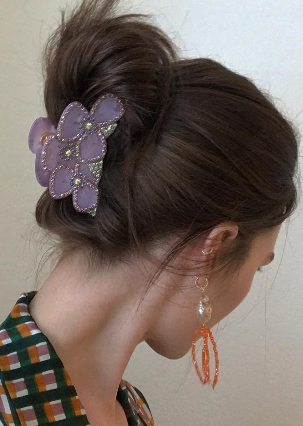 how-to-style-hair-accessories-claw-clips-butterfly-banana-purple-twist-decorative-earrings.jpg