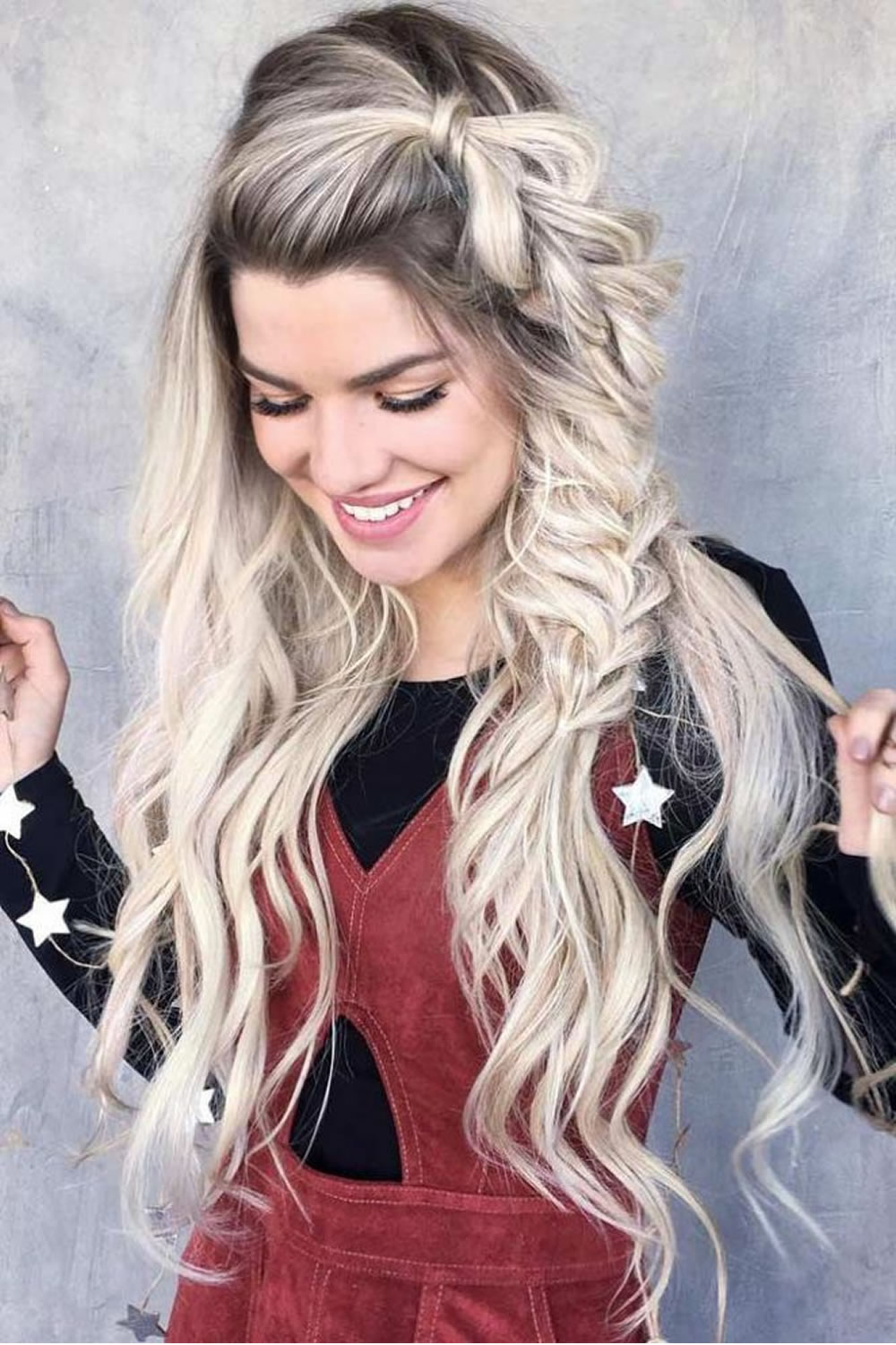 hair-styles-what-to-wear-christmas-day-dinner-holiday-outfits-winter-blonde-braid-long-hair-side.jpg