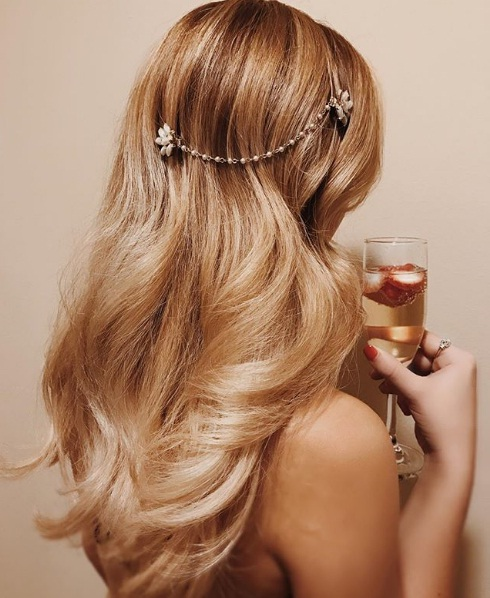 hair-ideas-style-what-to-wear-newyearseve-nye-holiday-outfits-winter-wrap.jpg