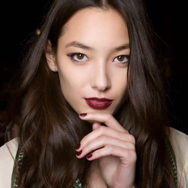 nail-polish-ideas-style-what-to-wear-newyearseve-nye-holiday-outfits-winter-fall-berry-burgundy.jpg