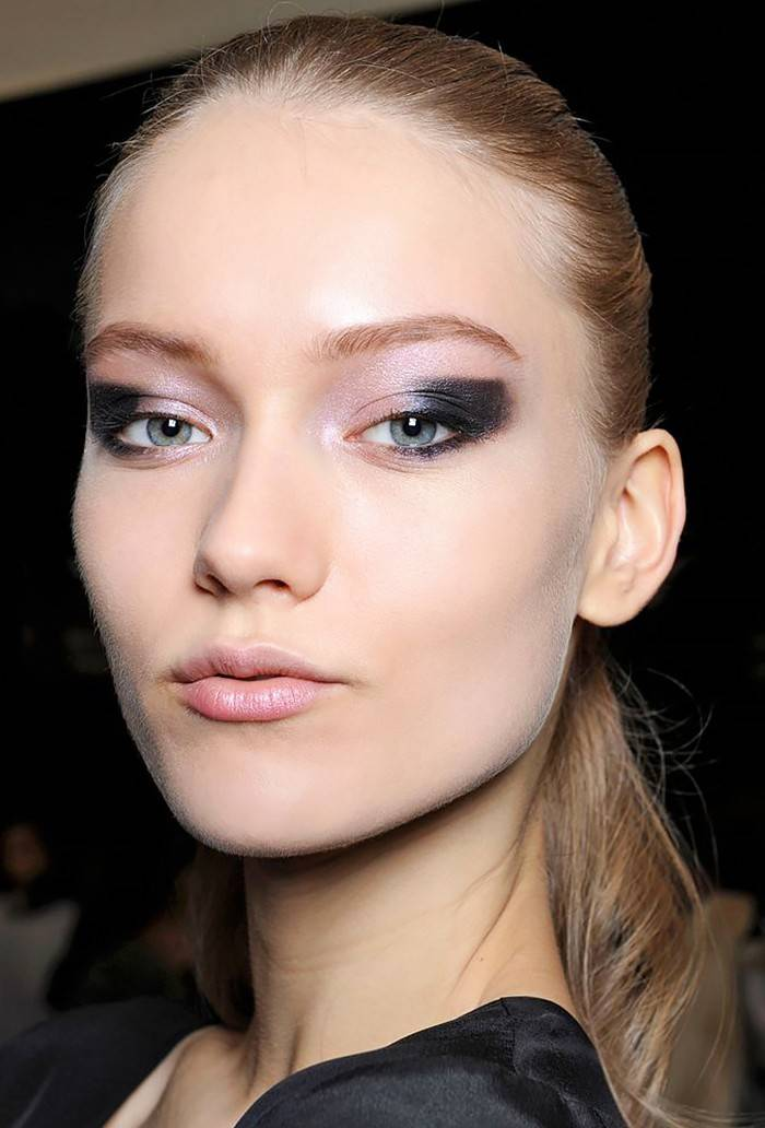 makeup-ideas-style-what-to-wear-newyearseve-nye-holiday-outfits-winter-party-eyeshadow-graphic.jpg