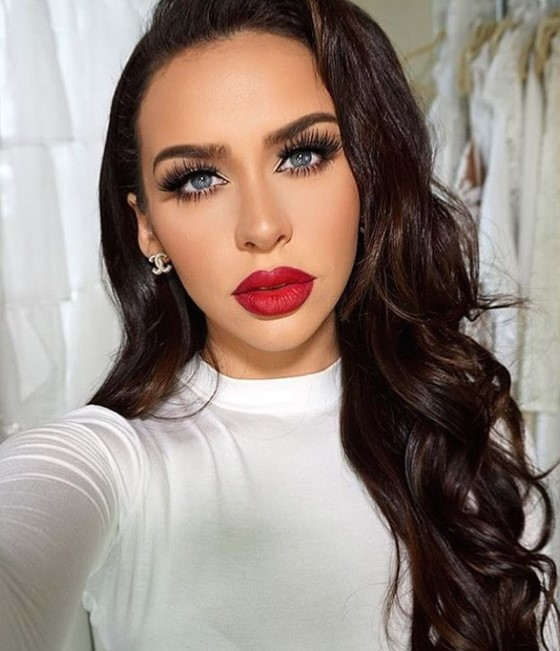 makeup-ideas-style-what-to-wear-newyearseve-nye-holiday-outfits-winter-red-lips-carlibyble.jpg
