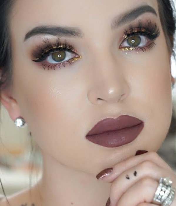 makeup-ideas-style-what-to-wear-newyearseve-nye-holiday-outfits-winter-yellow-eyeliner-eyeshadow.jpg