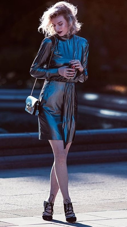 grayd-dress-mini-metallic-black-shoe-pumps-blonde-bob-fall-winter-nye-dinner.jpg