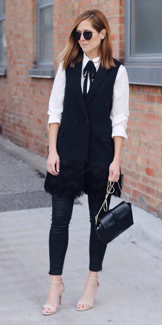 black-skinny-jeans-white-top-blouse-tieneck-hairr-sun-black-bag-black-vest-tailor-tan-shoe-sandalh-holiday-fall-winter-dinner.JPG