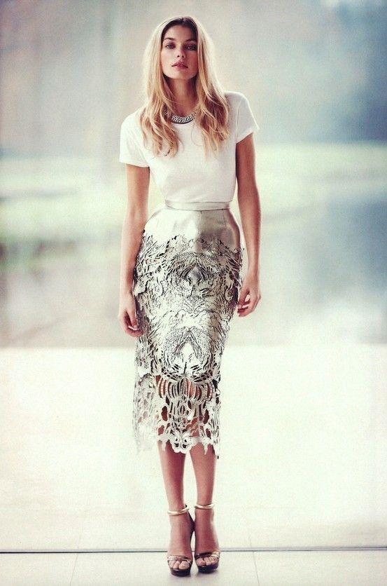 o-tan-midi-skirt-cutout-metallic-white-tee-necklace-blonde-tan-shoe-sandalh-howtowear-fashion-style-outfit-fall-winter-holiday-dinner.jpg
