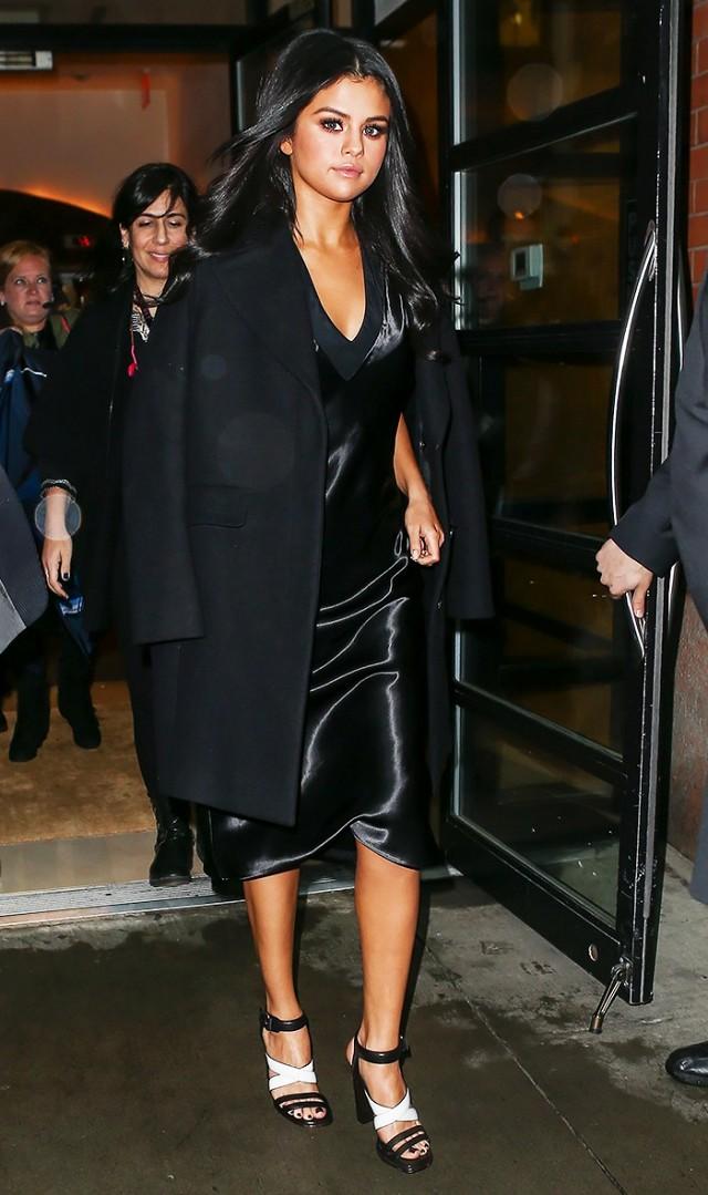 black-dress-slip-black-jacket-coat-white-shoe-sandalh-brun-selenagomez-howtowear-fashion-style-outfit-fall-winter-holiday-classic-dinner.jpg