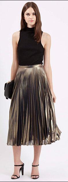 o-tan-midi-skirt-black-top-black-bag-clutch-black-shoe-sandalh-brun-metallic-pleat-howtowear-fashion-style-outfit-fall-winter-holiday-dinner.jpg