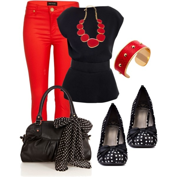 red-skinny-jeans-black-top-blouse-bracelet-bib-necklace-black-bag-black-shoe-pumps-howtowear-valentinesday-outfit-fall-winter-lunch.jpg